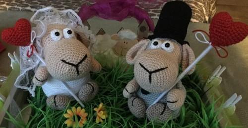 Ein Hochzeitsgeschenk Schaf Hochzeitspaar